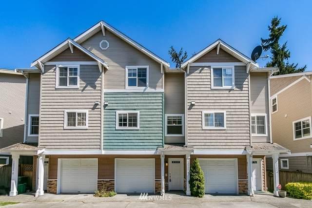 12524 26th Avenue NE, Seattle, WA 98125 (#1759545) :: Costello Team