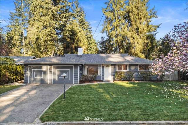 2728 165th Ave Ne, Bellevue, WA 98008 (#1759570) :: Hauer Home Team