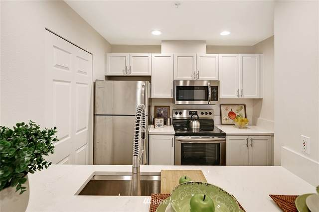 12903 SE 38th Street #202, Bellevue, WA 98006 (#1760054) :: Better Properties Lacey