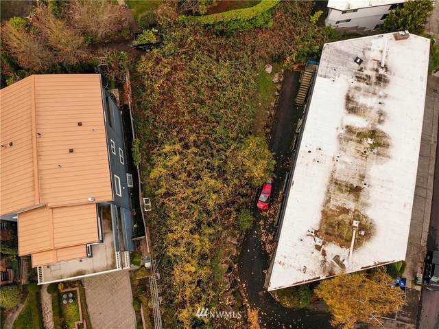 2308 W Smith Street, Seattle, WA 98199 (MLS #1760241) :: Brantley Christianson Real Estate