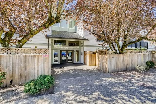 13717 Linden Avenue N #206, Seattle, WA 98133 (#1760484) :: Provost Team | Coldwell Banker Walla Walla