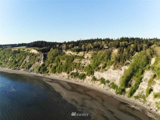 8100 Headlands Way, Clinton, WA 98236 (#1760726) :: Northwest Home Team Realty, LLC
