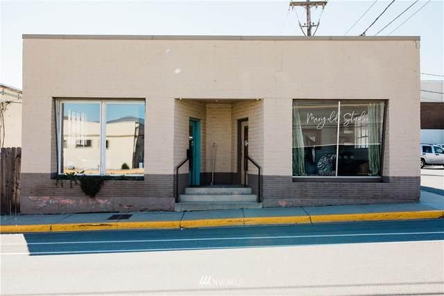 107 5th Street, Wenatchee, WA 98801 (#1761060) :: Shook Home Group