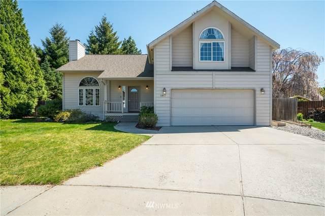 1017 Gilbert Court, East Wenatchee, WA 98802 (MLS #1761289) :: Nick McLean Real Estate Group