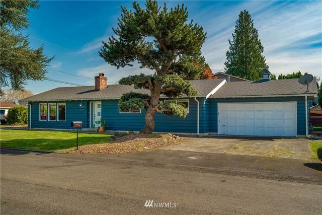 1802 11th Avenue NW, Puyallup, WA 98371 (#1761584) :: Icon Real Estate Group