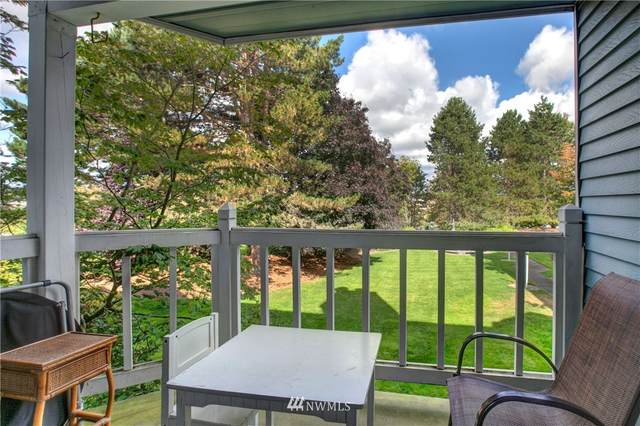 150 NE 95th Street #203, Seattle, WA 98115 (#1762780) :: The Snow Group