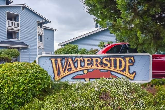651 SE Bayshore Drive B102, Oak Harbor, WA 98277 (#1763798) :: Keller Williams Western Realty