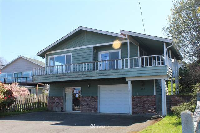 213 E Whidby Avenue, Port Angeles, WA 98362 (#1765207) :: Costello Team