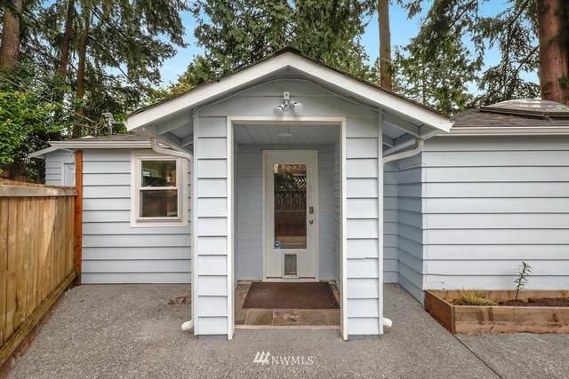 11016 15th Ave Ne, Seattle, WA 98125 (#1766487) :: Keller Williams Western Realty
