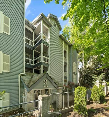 909 N 35th Street #303, Seattle, WA 98103 (#1767448) :: M4 Real Estate Group
