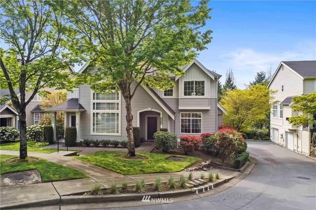 6571 161st Avenue SE B, Bellevue, WA 98006 (#1767566) :: Keller Williams Realty