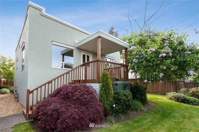 10010 44th Avenue SW, Seattle, WA 98146 (#1767656) :: Costello Team