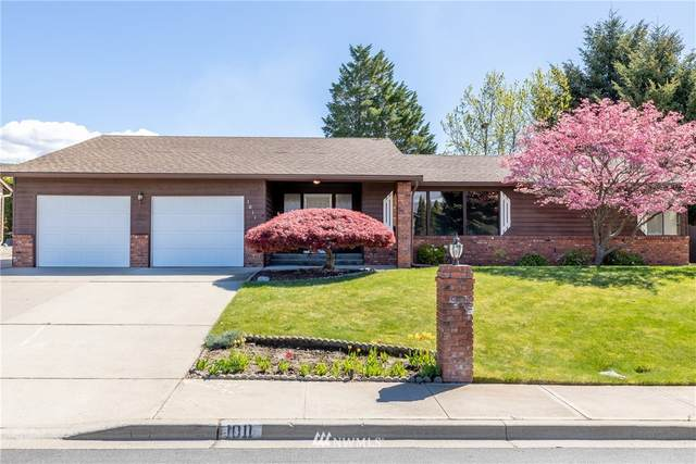 1011 N Fairview Place, East Wenatchee, WA 98802 (#1768092) :: McAuley Homes