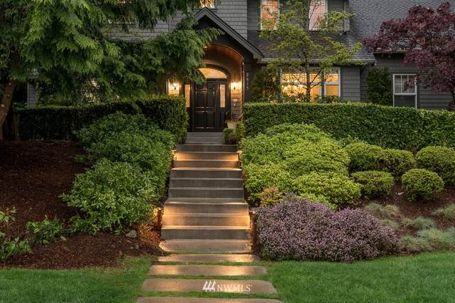 2615 102nd Avenue NE, Bellevue, WA 98004 (#1768746) :: Ben Kinney Real Estate Team
