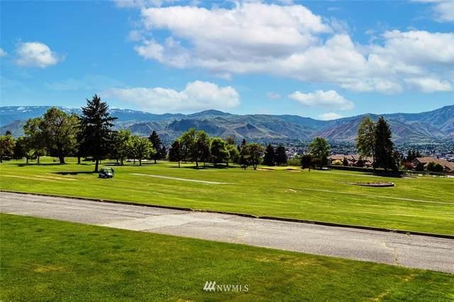 308 19th Street NE, East Wenatchee, WA 98802 (MLS #1768797) :: Nick McLean Real Estate Group