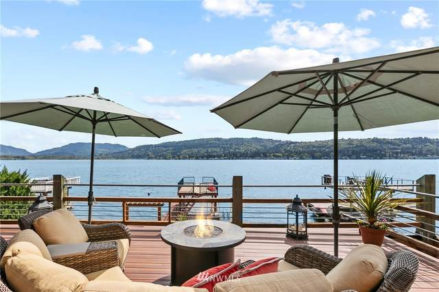3133 E Lake Sammamish Shore Lane SE, Sammamish, WA 98075 (#1769334) :: M4 Real Estate Group