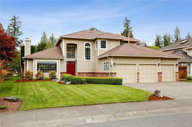 25902 Lake Wilderness Country Club Drive SE, Maple Valley, WA 98038 (#1769634) :: Simmi Real Estate