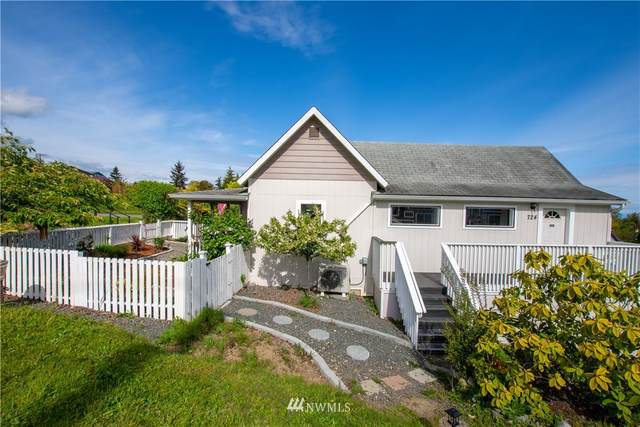 724 S Chambers Street, Port Angeles, WA 98362 (#1770359) :: M4 Real Estate Group