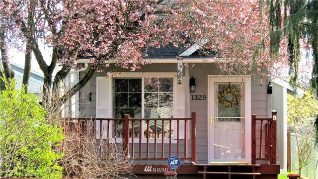 1329 Maple Street, Everett, WA 98201 (#1770974) :: Beach & Blvd Real Estate Group