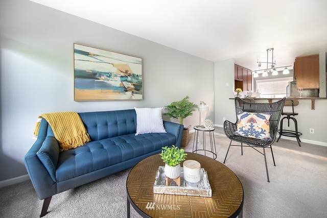 130 105th Ave Se C219, Bellevue, WA 98004 (#1771428) :: The Snow Group