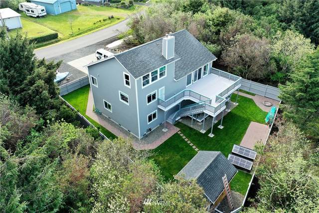 284 Queets Street SW, Ocean Shores, WA 98569 (#1771667) :: Icon Real Estate Group