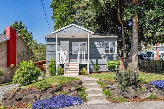 7733 25th Avenue NE, Seattle, WA 98115 (#1772140) :: Beach & Blvd Real Estate Group
