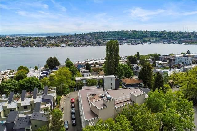 559 Mcgraw Street #302, Seattle, WA 98109 (#1772323) :: TRI STAR Team | RE/MAX NW