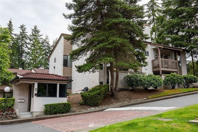 10401 NE 32nd Place #102, Bellevue, WA 98004 (#1772356) :: The Snow Group