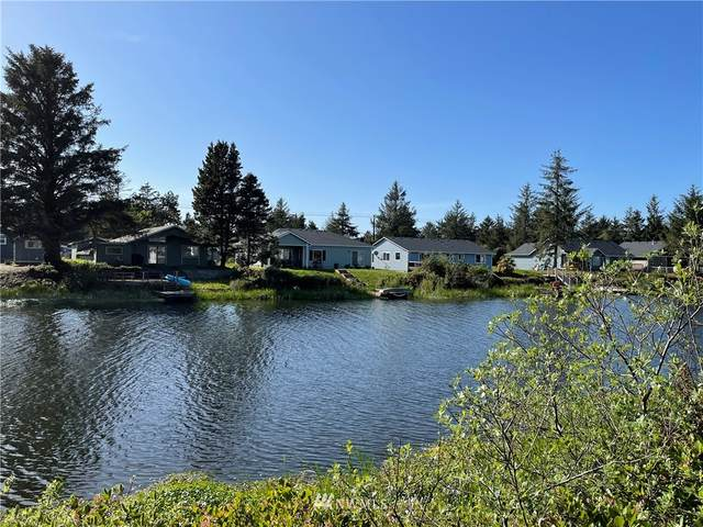 205 Canal Drive SE, Ocean Shores, WA 98569 (#1772401) :: Icon Real Estate Group