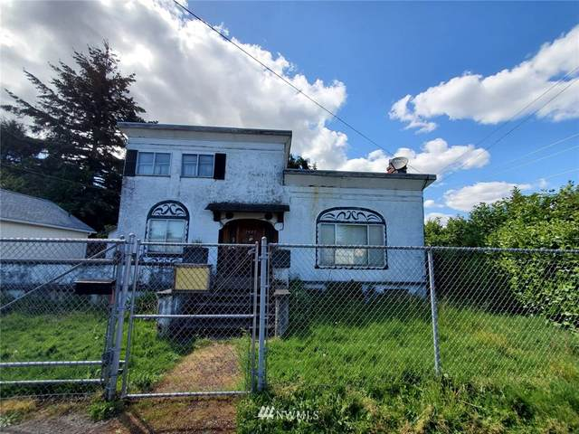 1405 S 5th Street, Kelso, WA 98626 (#1772657) :: McAuley Homes