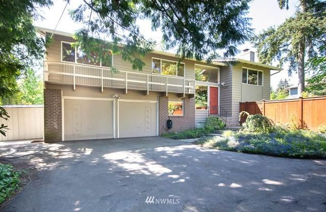 11329 19th Avenue NE, Seattle, WA 98125 (#1772799) :: Northern Key Team