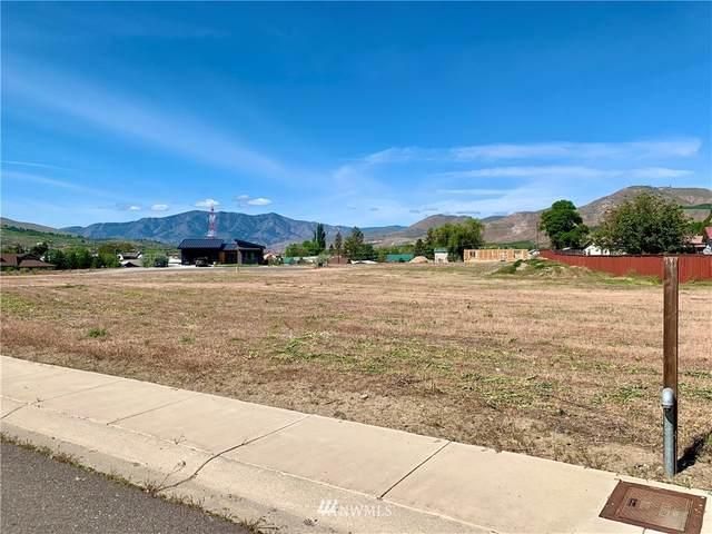 713 1st Street S, Brewster, WA 98812 (#1772926) :: Northwest Home Team Realty, LLC