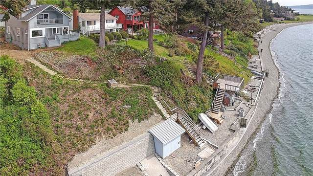 2028 Breezy Point Road, Camano Island, WA 98282 (#1773217) :: Keller Williams Realty