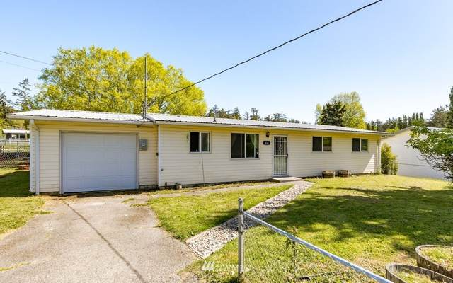 836 Walker Avenue, Oak Harbor, WA 98277 (#1773805) :: Front Street Realty