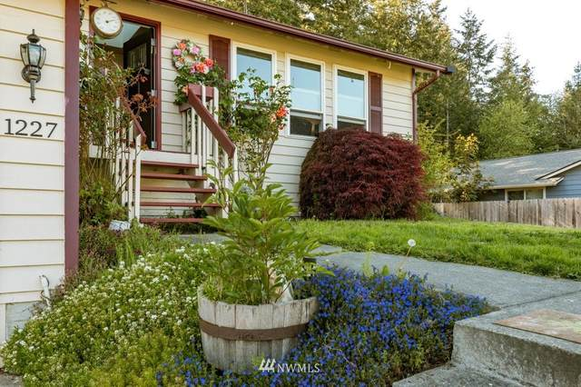 1227 NE Taftson Street, Oak Harbor, WA 98277 (#1774395) :: Keller Williams Western Realty
