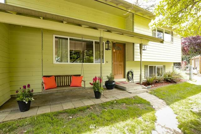 2703 105th Street, Seattle, WA 98146 (#1774493) :: Better Homes and Gardens Real Estate McKenzie Group
