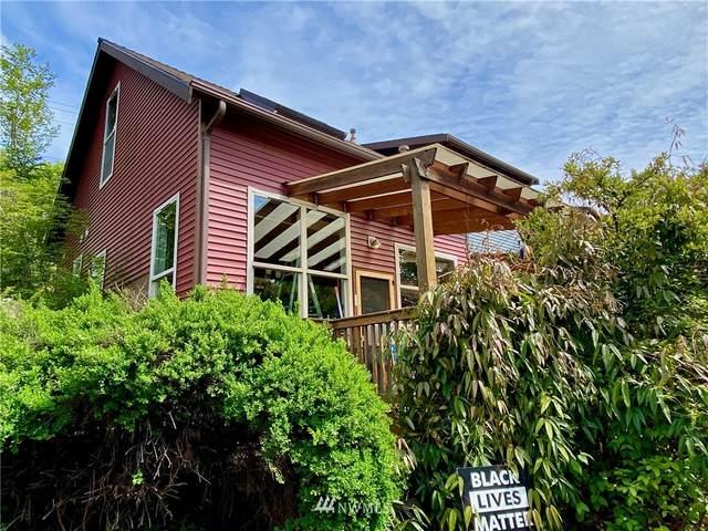 6000 17th Avenue SW #9, Seattle, WA 98106 (#1774534) :: Hauer Home Team