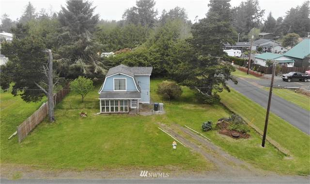 419 N Broadway, Westport, WA 98595 (#1774653) :: Keller Williams Realty
