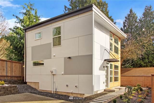 11036 Alton Avenue NE B, Seattle, WA 98125 (#1774852) :: Lucas Pinto Real Estate Group