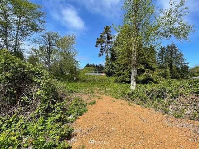 24 Cedar Avenue, Copalis Beach, WA 98535 (#1776781) :: Lucas Pinto Real Estate Group