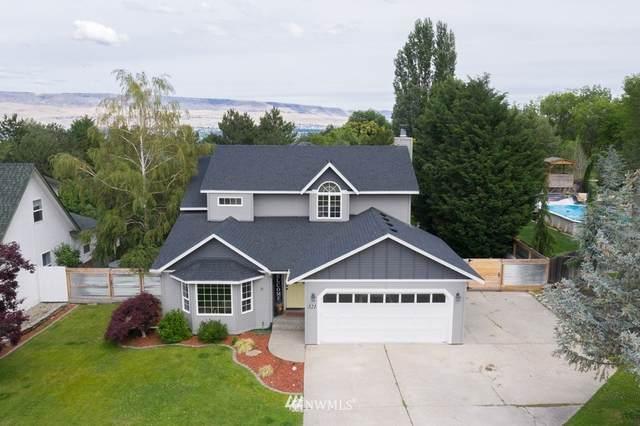 321 Canyon Place, Wenatchee, WA 98801 (#1777272) :: Simmi Real Estate
