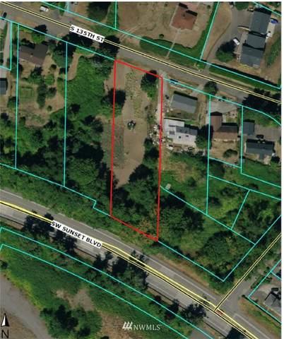 7825 S 135th Street, Seattle, WA 98178 (#1777575) :: Keller Williams Western Realty