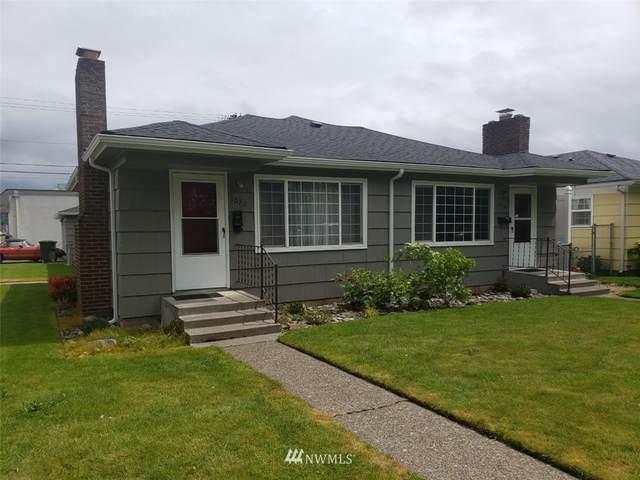 1070 16th Avenue, Longview, WA 98632 (#1780300) :: Keller Williams Western Realty