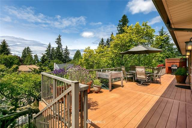 11729 Palatine Avenue N, Seattle, WA 98133 (#1780583) :: Keller Williams Western Realty