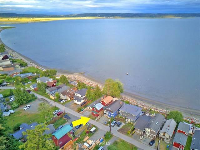 886 Juniper Pointe Lane, Camano Island, WA 98282 (#1781509) :: Ben Kinney Real Estate Team