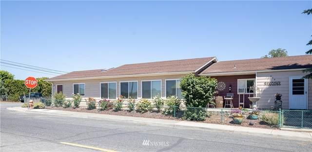 914 W Main Street, Soap Lake, WA 98851 (#1782562) :: Keller Williams Western Realty