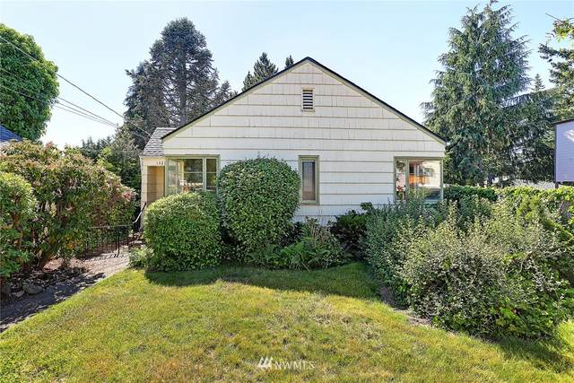 15215 22nd Avenue SW, Burien, WA 98166 (#1784027) :: Priority One Realty Inc.