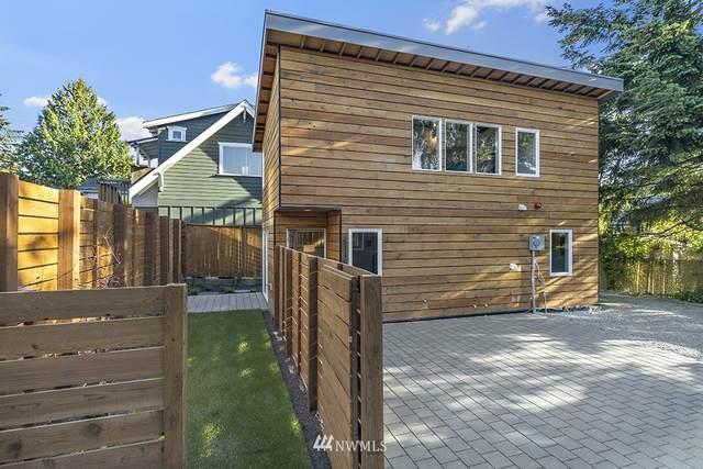 10217 40th Avenue SW C, Seattle, WA 98146 (#1784804) :: Keller Williams Western Realty