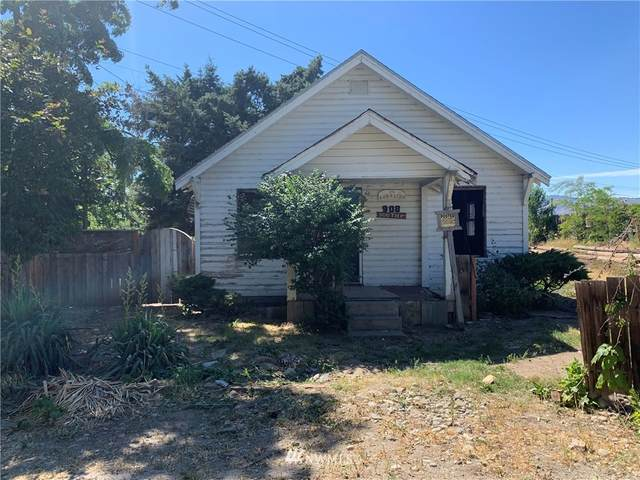 908 4th Street SE, East Wenatchee, WA 98802 (#1785982) :: The Kendra Todd Group at Keller Williams
