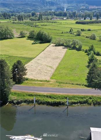 1 S Welcome Slough Road, Cathlamet, WA 98612 (#1786045) :: Beach & Blvd Real Estate Group